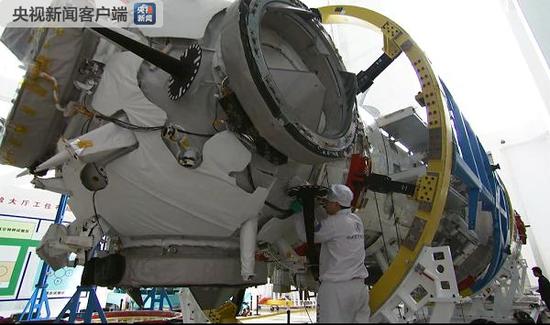 中国空间站核心舱首次公开