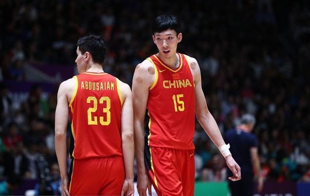 中国男篮世预赛15人大名单出炉:周琦终迎复出 00后小将引瞩目