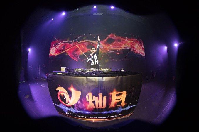王绎龙上海演唱会圆满落幕 电音巡演即将开启
