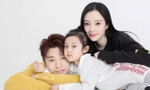 李小璐删掉与贾乃亮结婚背景照 离婚猜测成真?