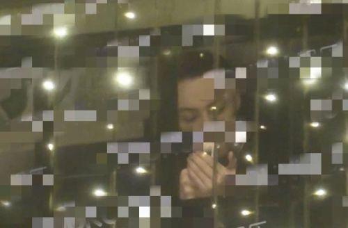 陈伟霆室内抽烟照片曝光 不断曝出有演员在室内抽烟