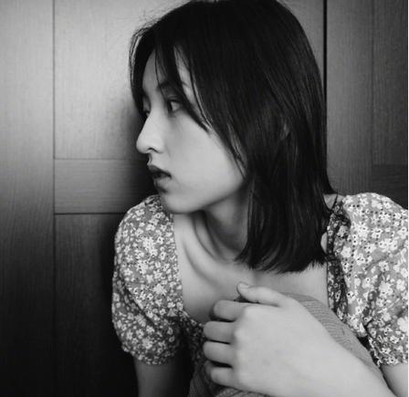 张子枫悼念粉丝 温柔表白爱粉字字透露真情网友看哭了