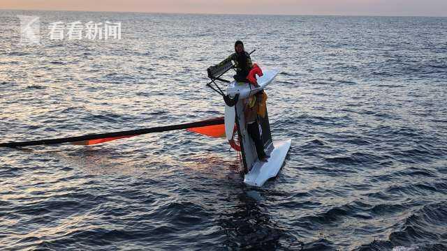 三亚海域帆船侧翻名遇险人员状况良好被安全救出